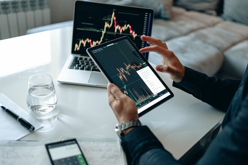 Stocks-Money-Rates - Charting and Analysis Tablet and Laptop